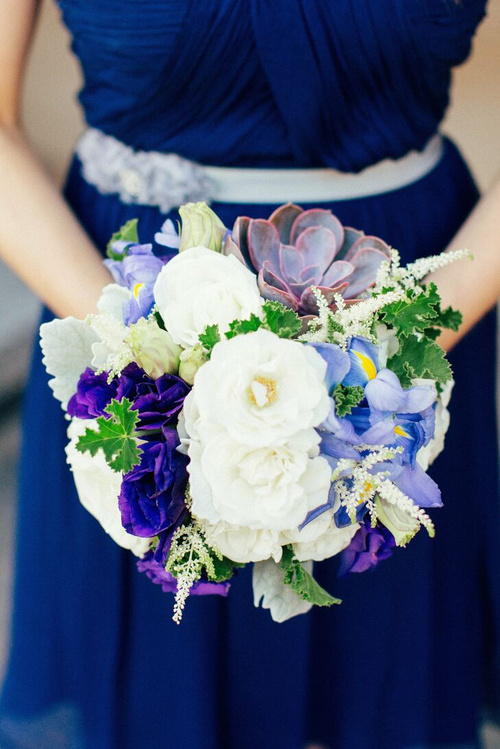 White and purple bridesmaids bouquets izmirmasajfo
