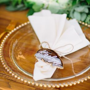 Diy wedding escort place cards sliced agate place cards with beaded chargers solutioingenieria Images