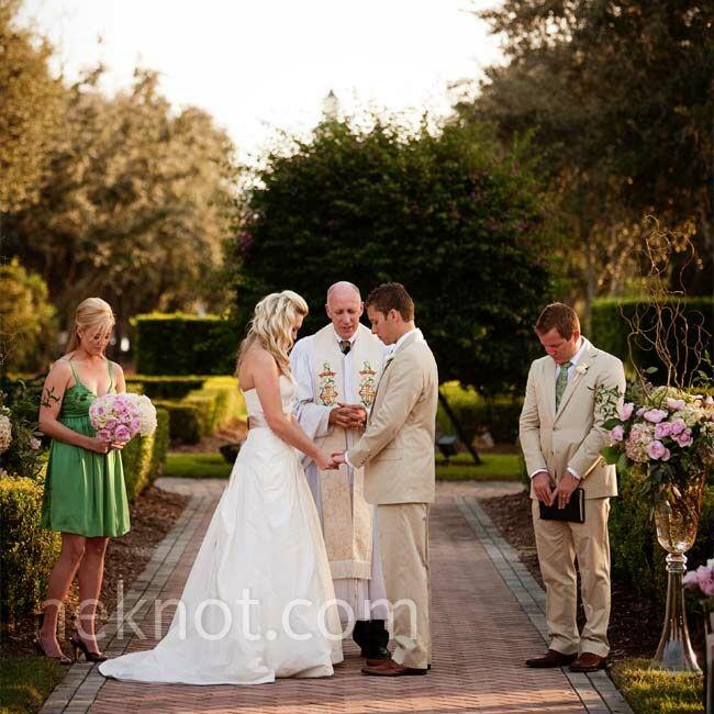 Informal Wedding Ceremony Ideas: A Casual Wedding In Orlando, FL