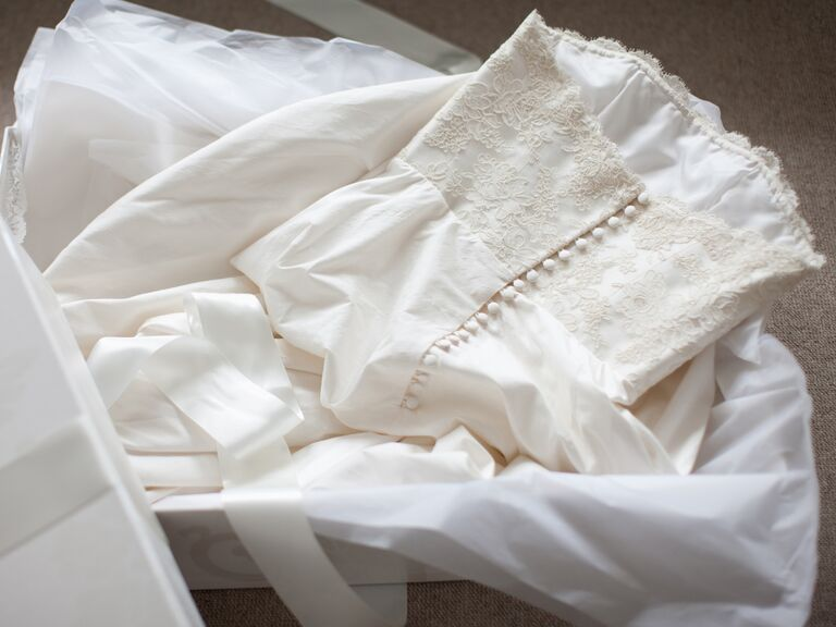 Tips For Selling Used Wedding Dresses