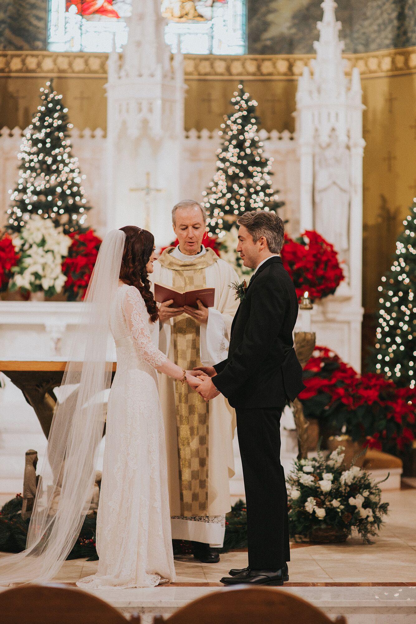 Moraine Lake wedding photos - Tara Whittaker Photography