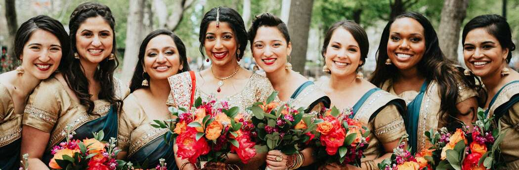 How to Write the Best Wedding Party Bios on Your Wedding Website