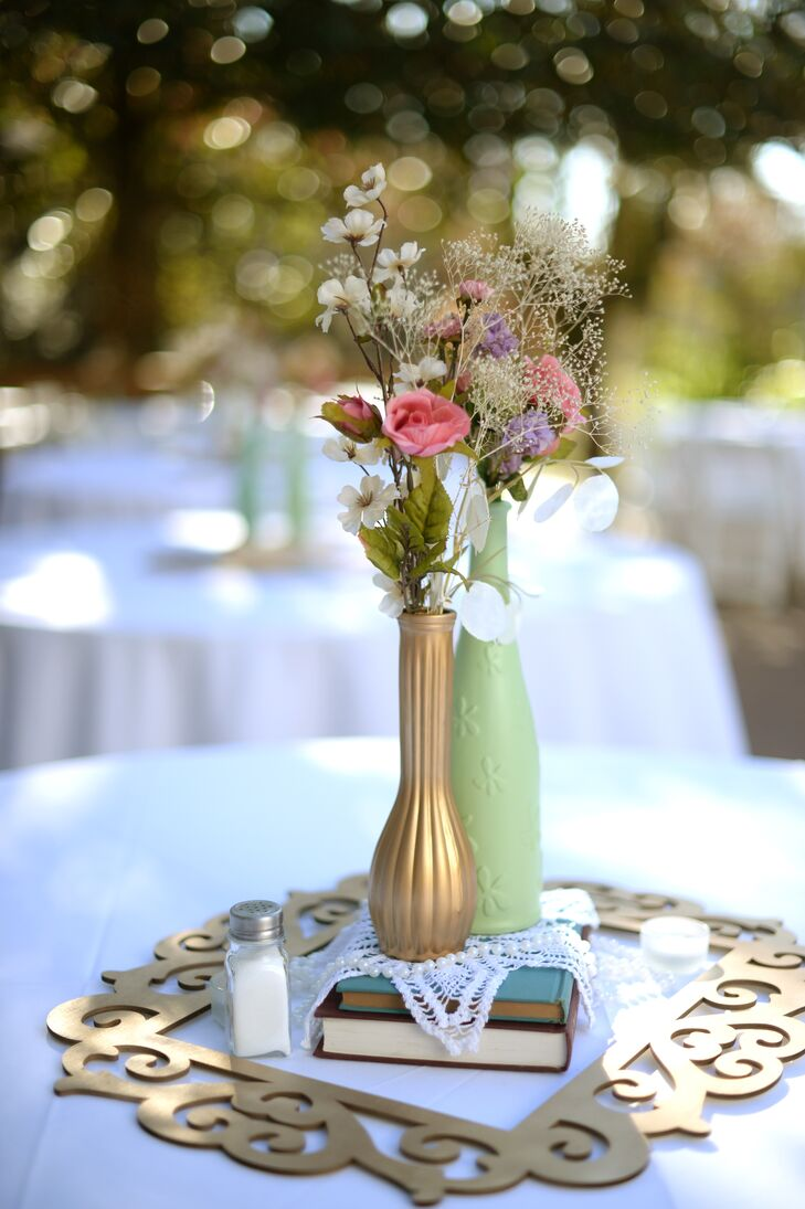 Diy vintage flower centerpieces with gold frame