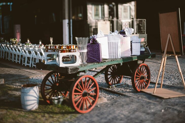 Vintage Wagon for Favors and Gifts
