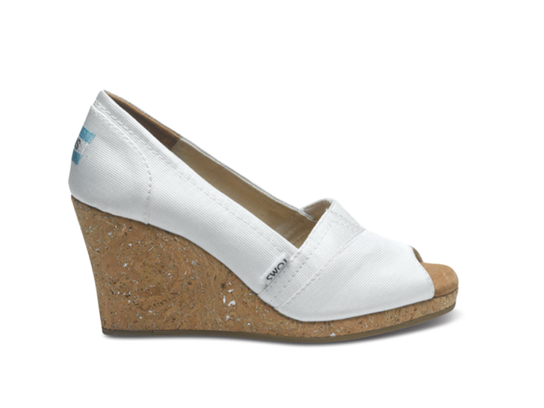 42 Best Wedding Wedges You Can Buy Now