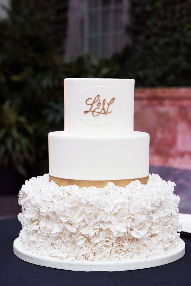 White And Gold Round Wedding Cake