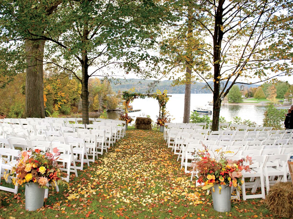 Fall wedding pitfalls fall wedding planning fall for Autumn wedding decoration