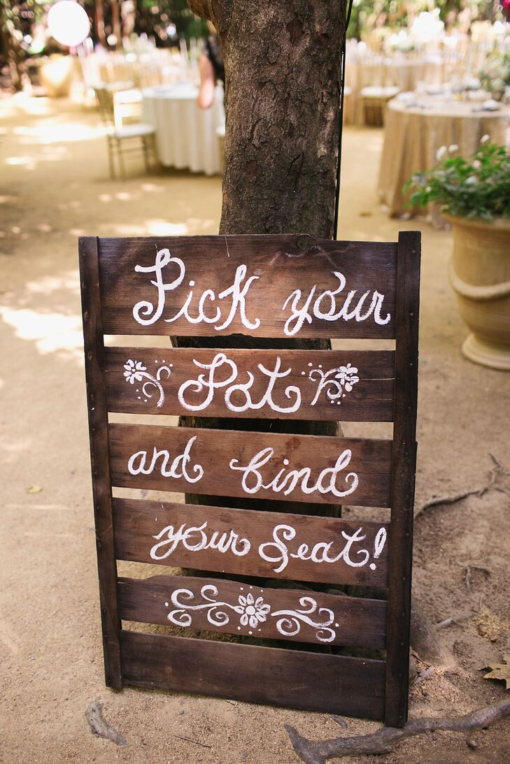 Simple Wooden Escort-Table Sign