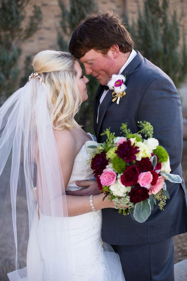An elegant wedding at kent hance chapel in lubbock texas 11d78712 d4f9 11e4 be0a 22000aa61a3ers 729 ombrellifo Images