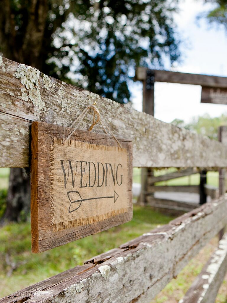 Rustic, budget burlap sign for outdoor wedding