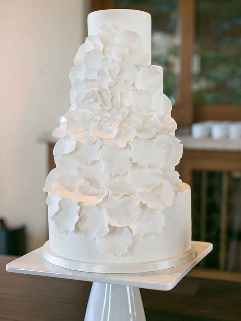 wedding cakes real flowers pictures 16 prettiest sugar flower wedding cakes 25336