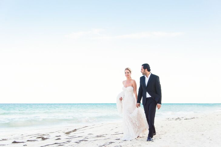 Michelle Minagorri (a real estate professional) married Vincent Benoleil (a restaurateur) in a simple, elegant beach ceremony for 200 guests on the Ri