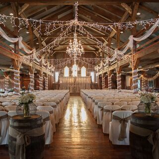 A Country Barn Wedding in Centerville