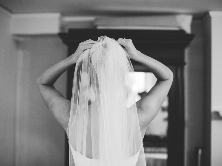 Bride in her veil-dos and don'ts