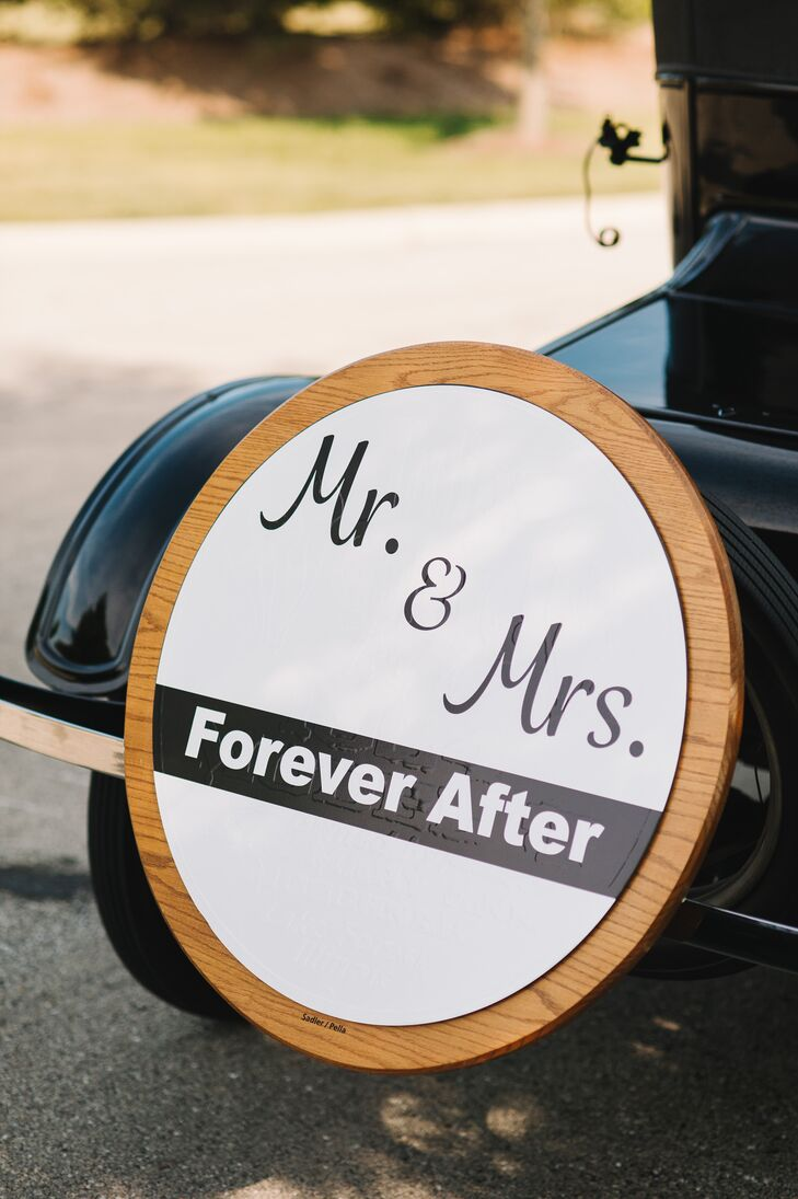 Mr. and Mrs. Car Sign