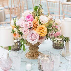 Good Colorful Garden Rose Centerpieces In Wicker Vases
