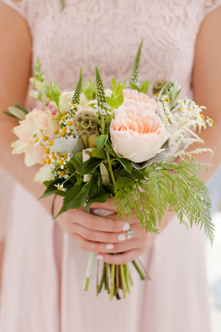 Soft Natural Peach Rose Bouquets