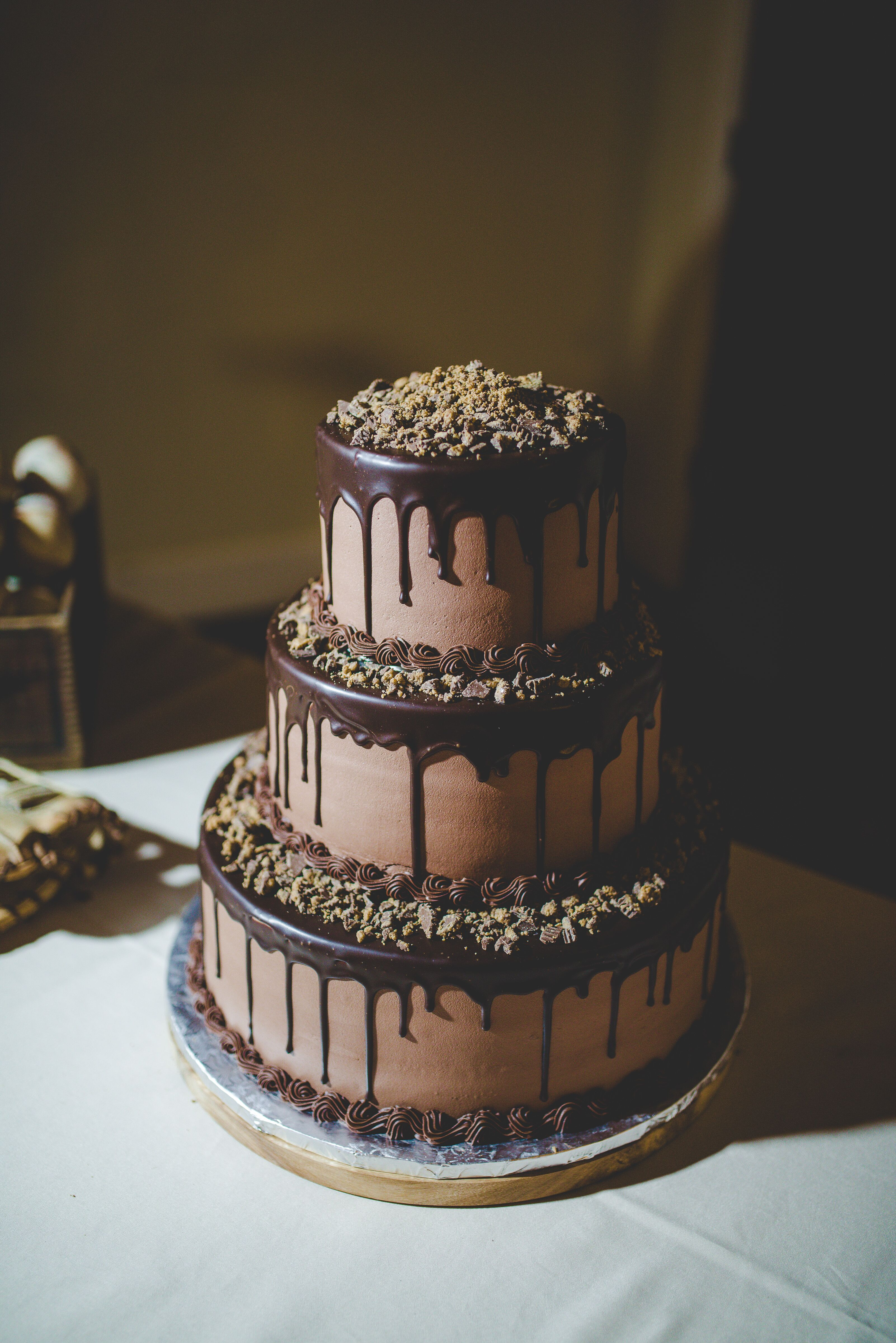 Unique Chocolate Wedding Cake Is Something Special For