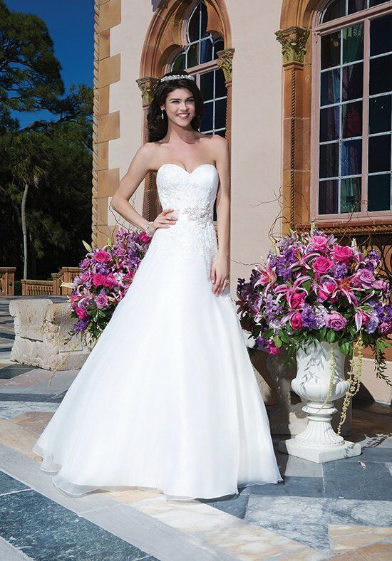 Sincerity Bridal 3838 Wedding Dress photo