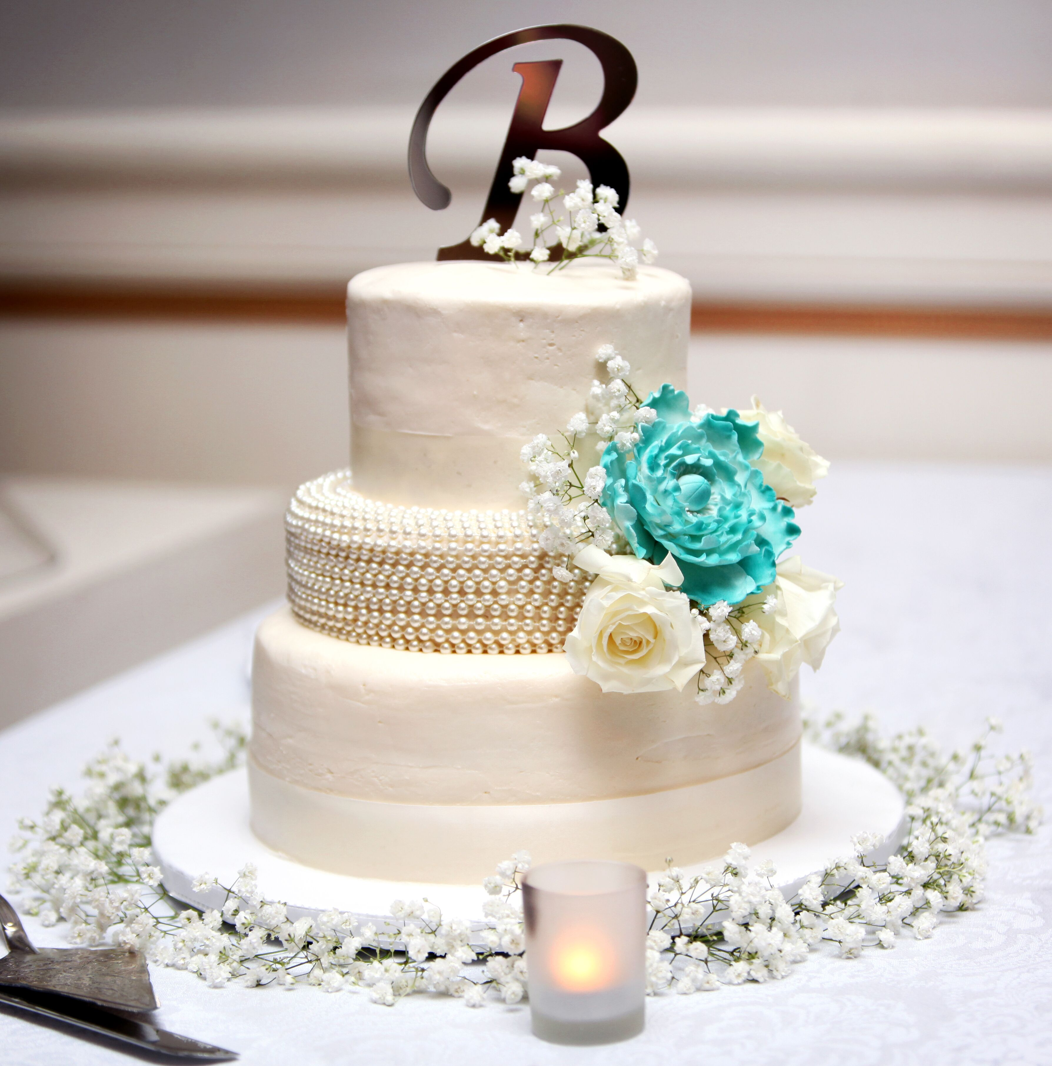 wedding cakes with teal flowers white wedding cake with teal cake flower 26128