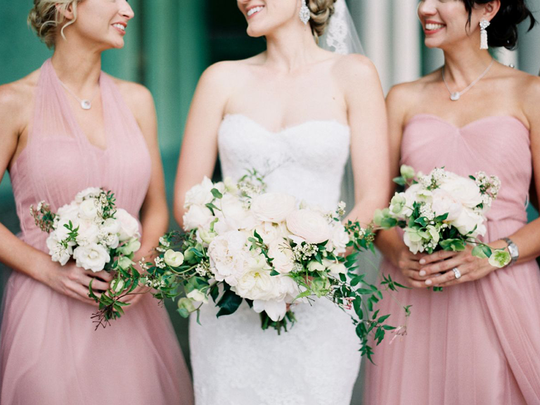 Bride With Bridal Party Melanie Gabrielle Photography Managing Your Bridesmaids