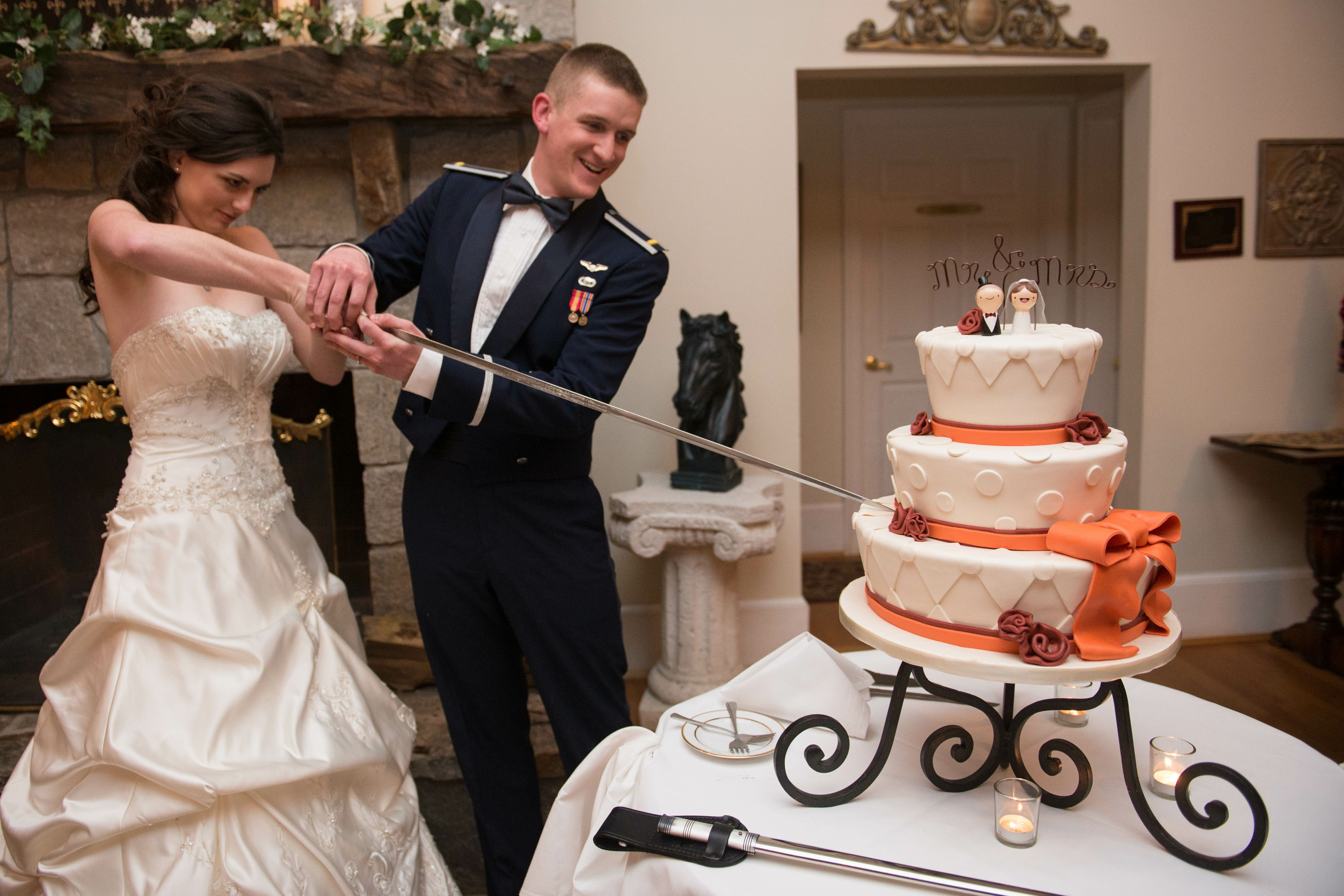cutting wedding cake with sword cake cutting with air sword 13304
