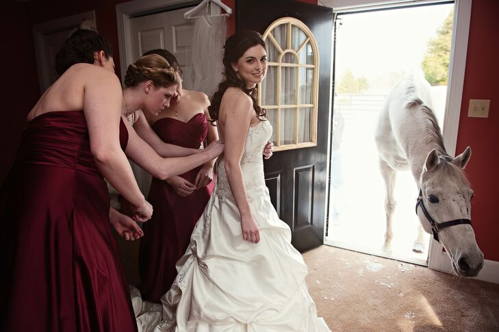 Black Horse Inn allowed Karen to bring her own horse to her wedding day.