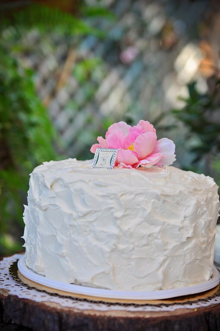 Single-Tier Buttercream Ivory Wedding Cake