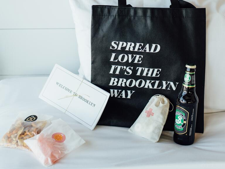 Brooklyn-themed wedding bags