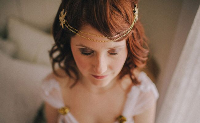 6 Brides With Chain Headpieces