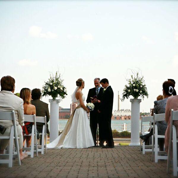 A Traditional Wedding In Detroit Mi: The Reception Decor