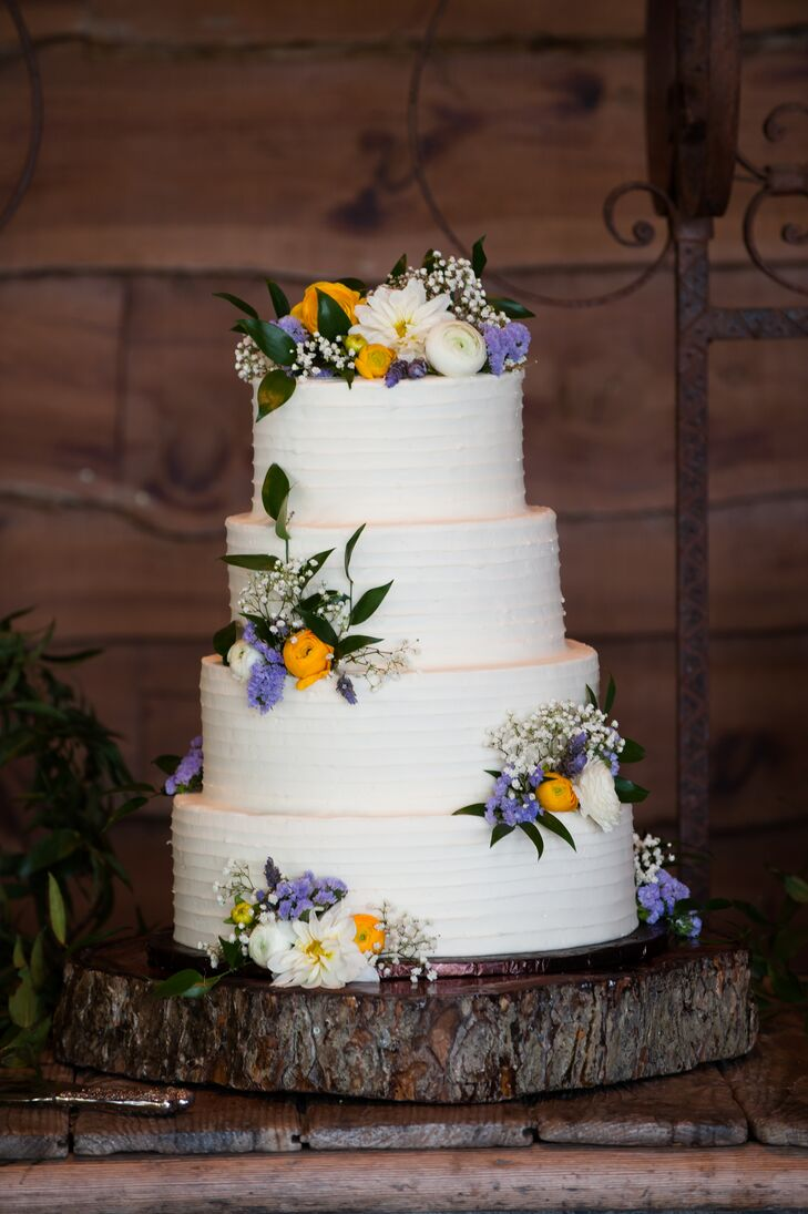 wildflower wedding cake ideas a casual hill country wedding at ranch in 27480