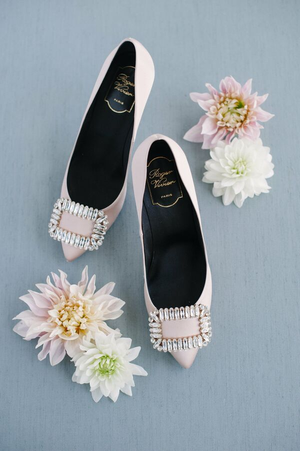 Glamorous Pink Flat Shoes with Pointed Toe and Diamond Buckle