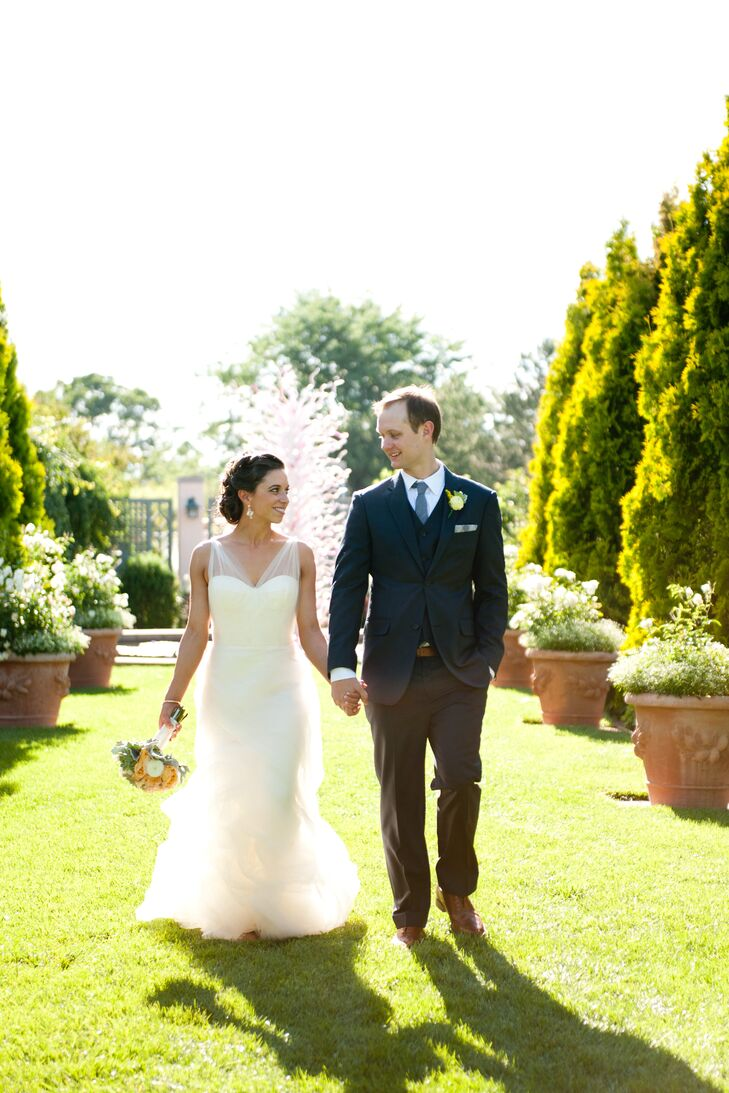 A classic romantic wedding at denver botanic gardens in denver colorado for Denver botanic gardens wedding