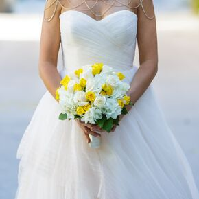 Yellow wedding bouquets yellow and white rose bouquets mightylinksfo