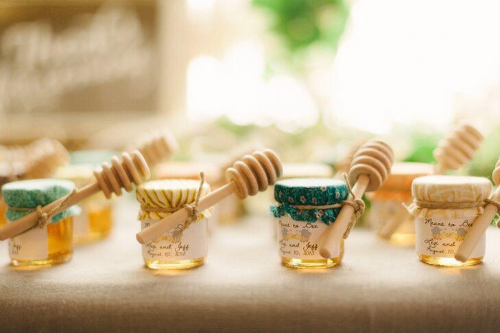 Rustic Honey Jar Wedding Favors