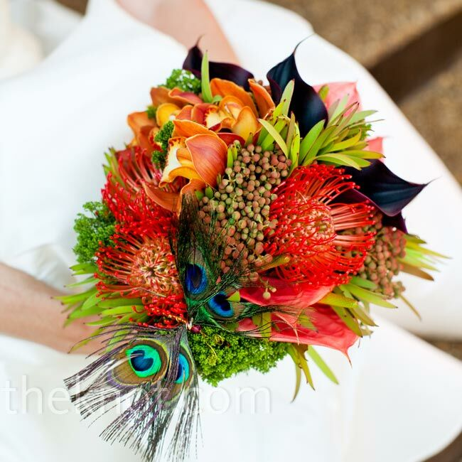 Diy Feather Bouquets Weddings: Peacock Feather Bridal Bouquet