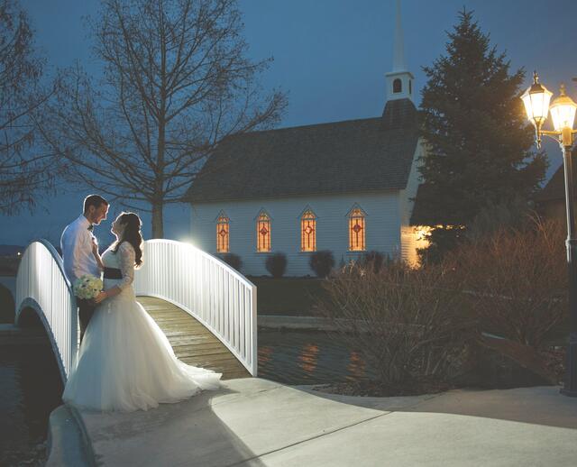 A Simple DIY Wedding At Still Water Hollow In Nampa Idaho