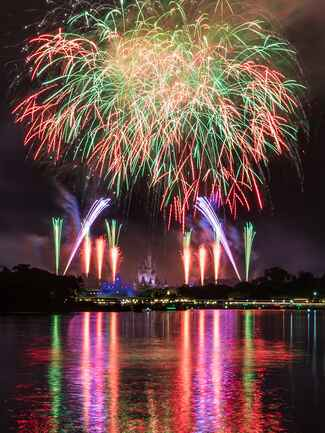 Seven Seas Lagoon Fireworks Cruise for the perfect Disney proposal