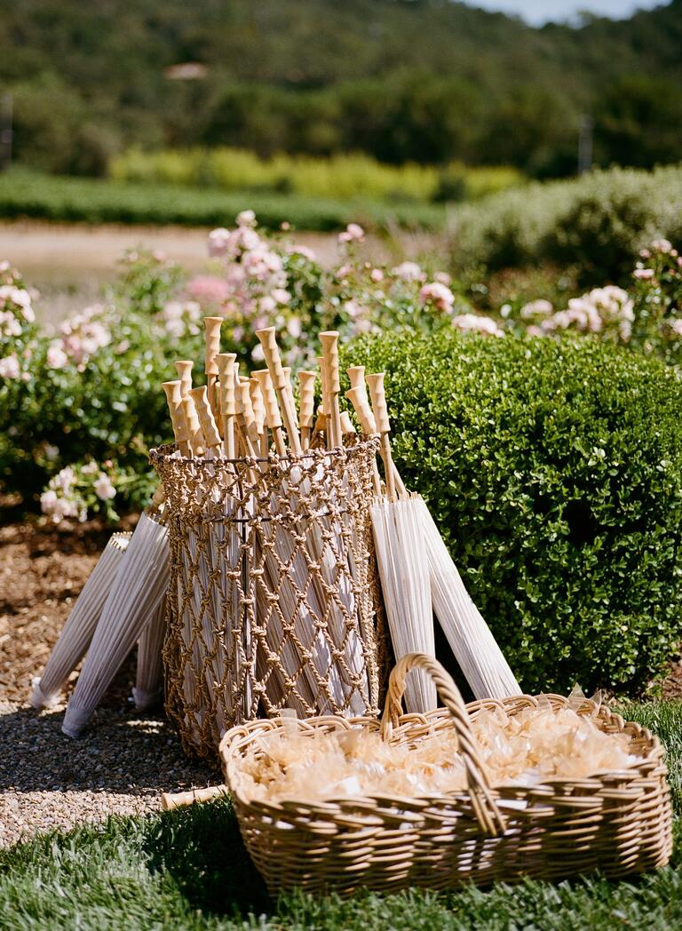 Parasol wedding ceremony favors