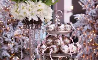 Photo: Jennifer Lindberg Weddings // Featured: The Knot Blog