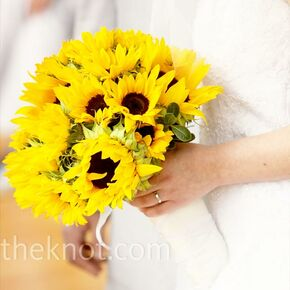 Sunflower wedding bouquets sunflower wedding bouquet junglespirit Image collections