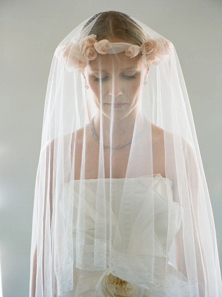 Dramatic Wedding Veil Style With A Silk Rose Flowercrown