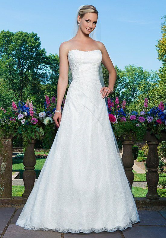 Sincerity Bridal 3867 Wedding Dress photo