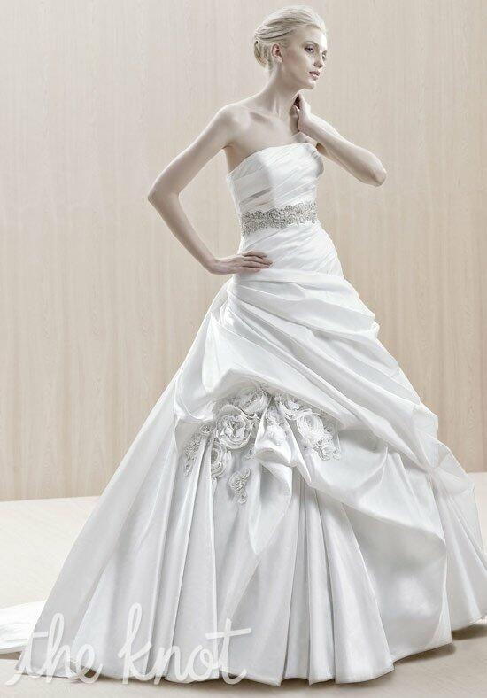 Blue by Enzoani Ekati Wedding Dress photo