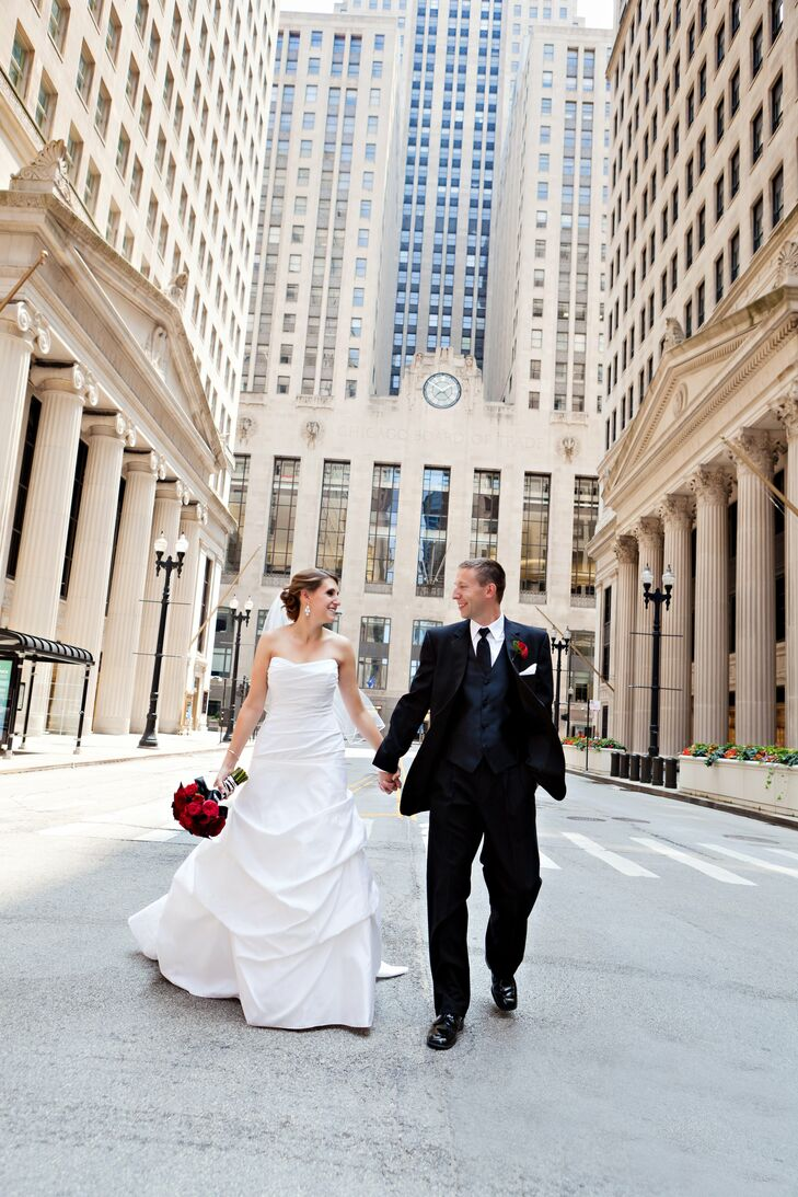 A Modern Wedding at the Adler Planetarium in Chicago, Illinois
