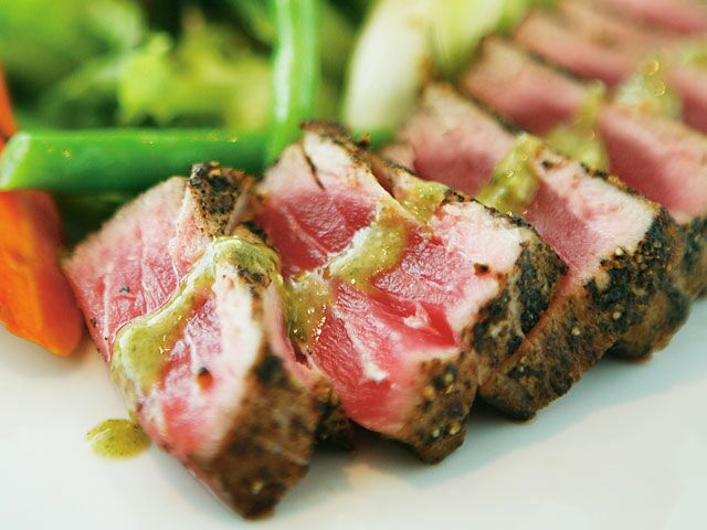 how to cook ahi tuna in pan