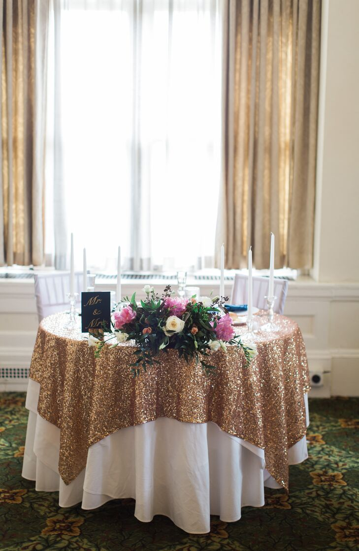 Gold Sequin Sweetheart Table Linen