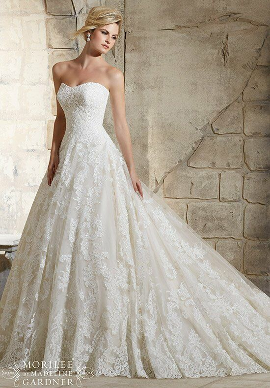 اجمل مجموعة فساتين زفاف منفوشة