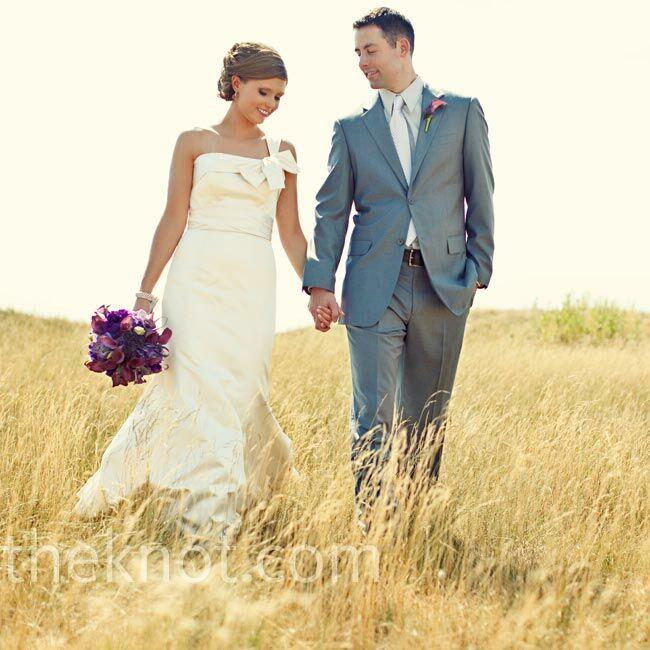 A Modern Casual Wedding In Toledo, Oh. Cheap Long Sleeve Wedding Guest Dresses. Black Wedding Dress Sarah Jessica Parker. Dhgate Wedding Dresses Plus Size. Sweetheart Empire Wedding Dresses